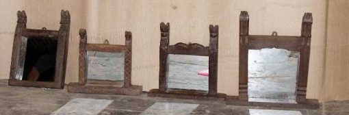 Spiegel mit Holztisch-1