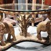 Vintage runder Couchtisch mit aus Holz geschnitzten Elefanten-1