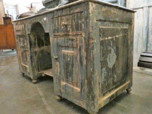 Fraaie vintage bureau met laden en kastjes.-1