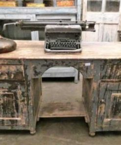Beautiful vintage desk-2