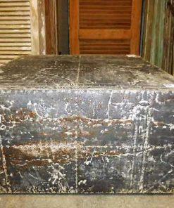 Industrieller quadratischer Couchtisch mit Zinkplatten bedeckt-1