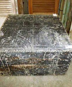 Industrieller quadratischer Couchtisch mit Zinkplatten bedeckt-3