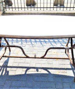 Ovale tuin tafel met smeedijzeren onderstel en marmeren blad-2