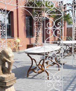 Ovale tuin tafel met smeedijzeren onderstel en marmeren blad-4