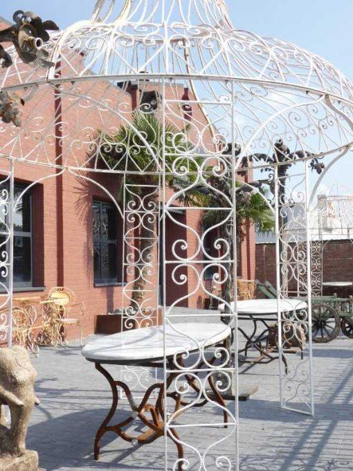 Ovale tuin tafel met smeedijzeren onderstel en marmeren blad-5