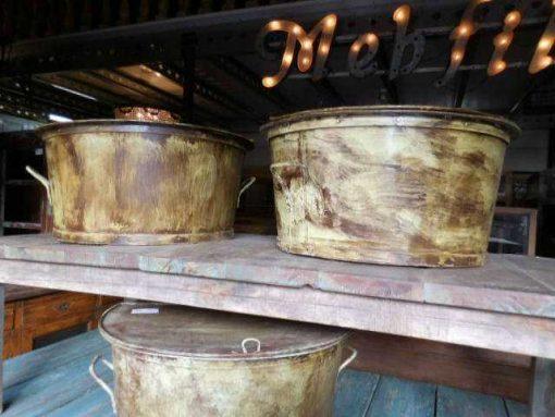 Vintage round salon table metal -3