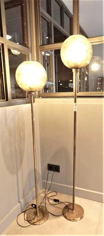 Vintage Lampen aus Bronze mit gelber Glaskugel-1