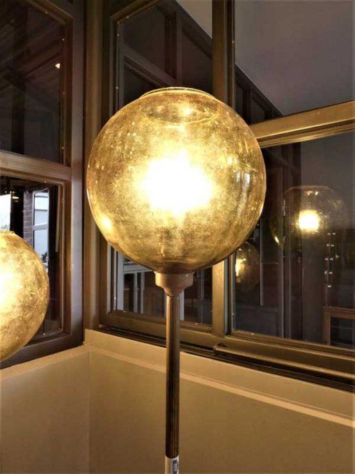 Vintage Lampen aus Bronze mit gelber Glaskugel-2