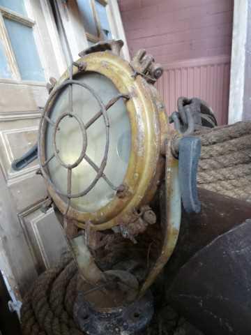Ship searchlight small model-2