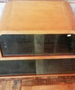 Antiek Laag Kastje Met Glas-2