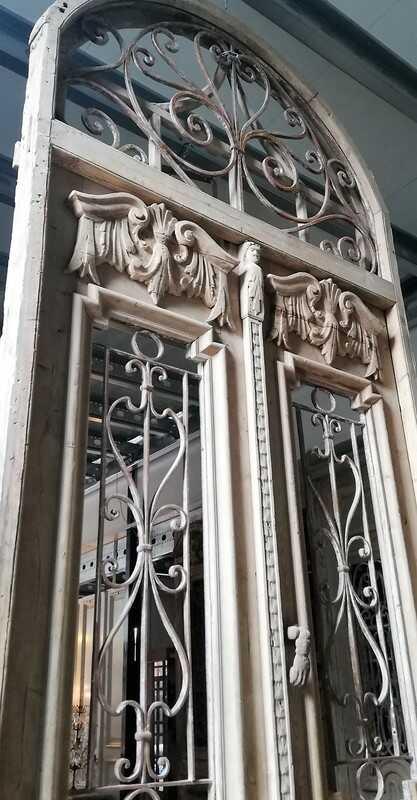Antiker französischer Stil Außentür mit schmiedeeisernem Zierzaun-4