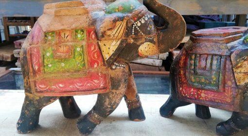 Hölzerne farbige Elefanten-2